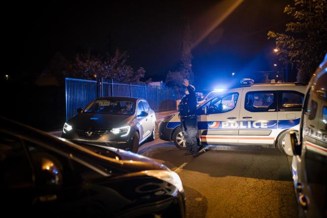 Conflans, Yvelines, le 16 octobre, sur la scène de crime où le professeur d'histoire a été décapité.