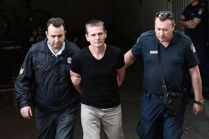 Le prévenu russe Alexander Vinnik après son arrestation en Grèce, en octobre 2017.