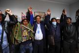 Luis Arce (au centre) a été élu président de la Bolivie dès le premier tour de l'élection, le 18 octobre à La Paz, en Bolivie.