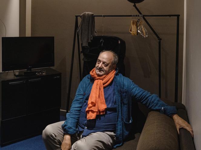Louis Chedid dans sa loge avant son concert au Colisée de Roubaix, le 16 octobre 2020.