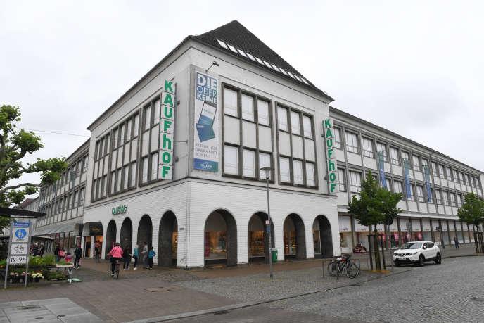 Le grand magasin de la chaîneKaufhof, dans le centre deNeubrandenbourg, le 19 juin.
