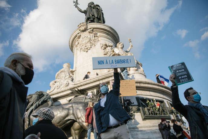 Place de la République, à Paris, le 18 octobre 2020. Rassemblement pour défendre la liberté d'expression, après l'assassinat d'un enseignant d'un collège de Conflans-Sainte-Honorine (Yvelines).