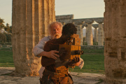 Nick Nolte (Shakespeare) et Kalipha Touray (Kal) dans « Last Words », de Jonathan Nossiter.