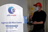 Dans une agence Pôle emploi, à Nice, le 18 mai 2020.