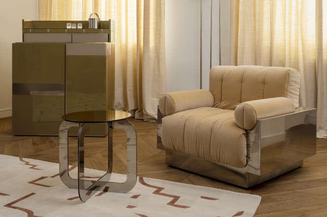 Bar et fauteuil de la collection Ginger dela décoratrice française Sandra Benhamou.