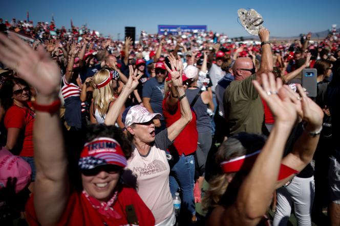 Des partisans de Donald Trump, à Prescott, le 19 octobre.