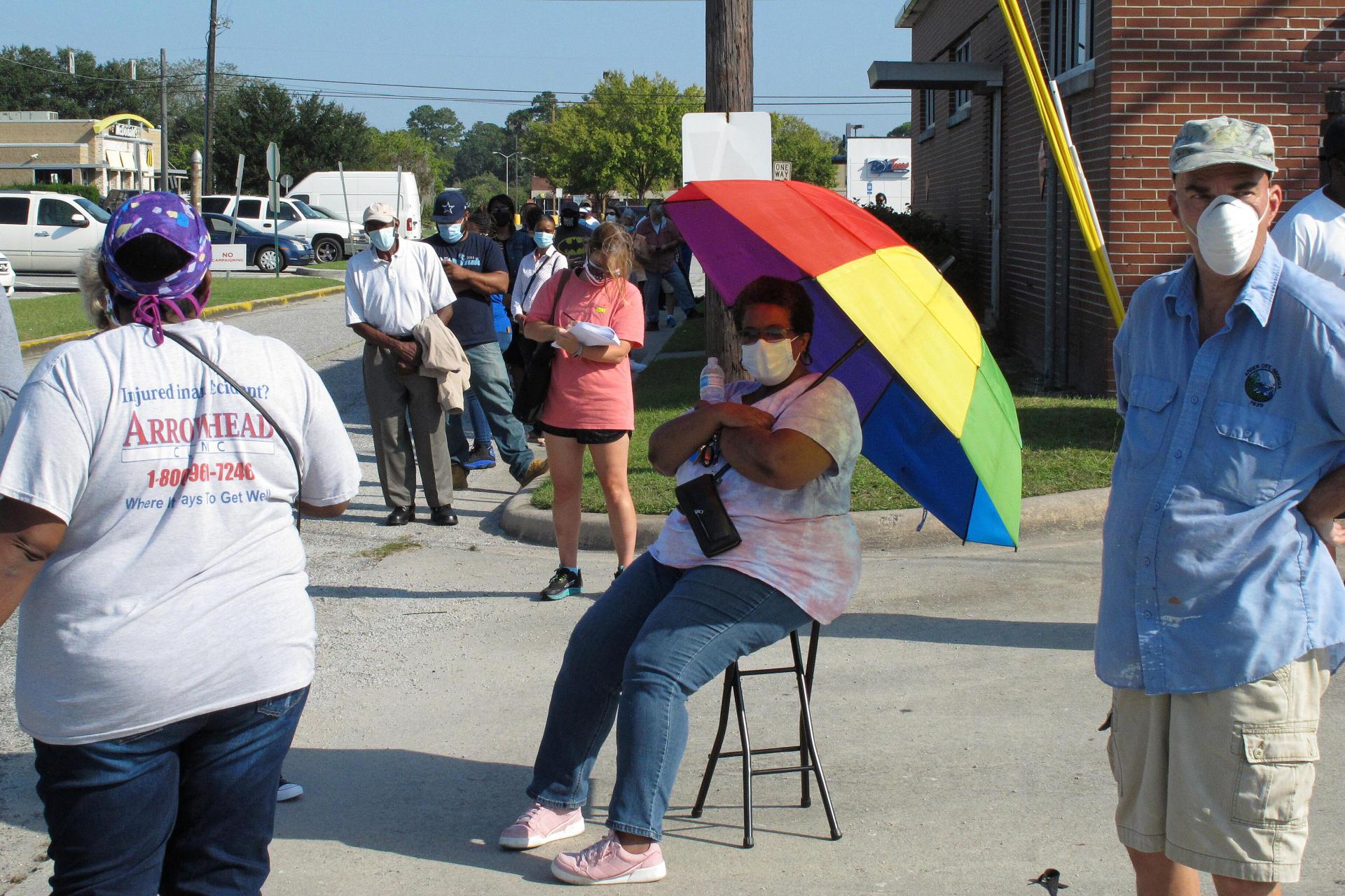 Le 14 octobre à Savannah, en Géorgie, la communauté afro-américaine a voté par milliers.  Ils font parfois la queue pendant des heures.