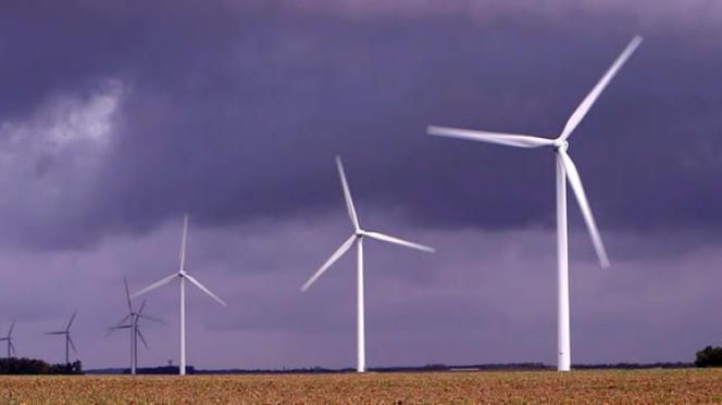 Image d'éoliennes extraite du documentaire«Ils inventent le futur. Energies, vers une production plus durable».