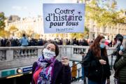 Lor sde la manifestation en hommage à Samuel Paty, le 18 octobre 2020, place de la République, à Paris.