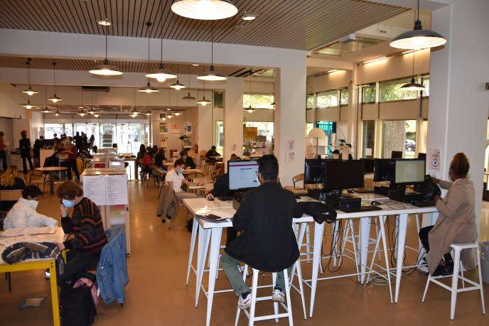 Le Centre d'information et de documentation jeunesse, à Paris.