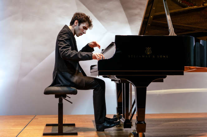 Récital du pianiste Alexandre Kantorow, le 23 septembre 2019, dans l'auditorium de la Fondation Louis-Vuitton, à Paris.