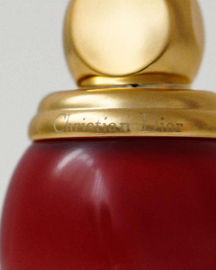 Vernis Diorific 767 Red Wonders, collection de Noel Golden Nights, 27,50 € les 12 ml, Dior. dior.com