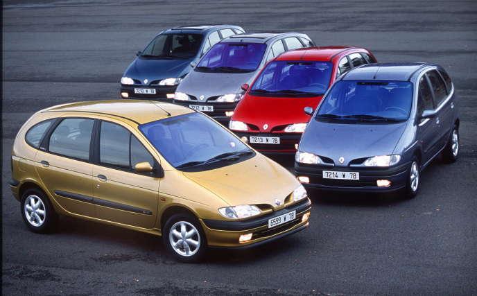 En 1999, Renault sort sa nouvelle gamme de Scénic, le modèle qui a contribué à la réalisation de ventes record par le groupe dans le monde en 1998.