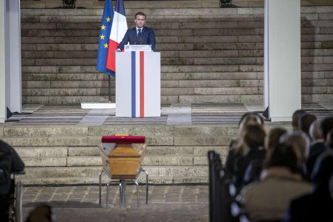 Emmanuel Macron, président de la République, participe à la cérémonie en hommage à Samuel Paty, professeur d'histoire à Conflans-Sainte-Honorine, assassiné par un islamiste le 16 octobre.