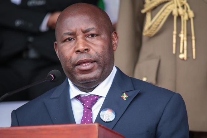 Le nouveau président burundais Evariste Ndayishimiye, àGitega, le 26 juin 2020.