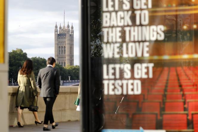 Aux abords du palais de Westminster, à Londres, le 31 août.