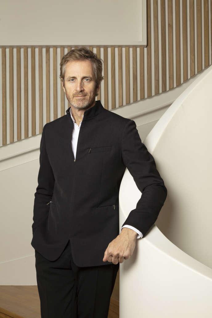Le chef d'entreprise et mécène Frédéric Jousset, en 2019, dans les locaux de la rédaction de «Beaux Arts Magazine» à Paris.
