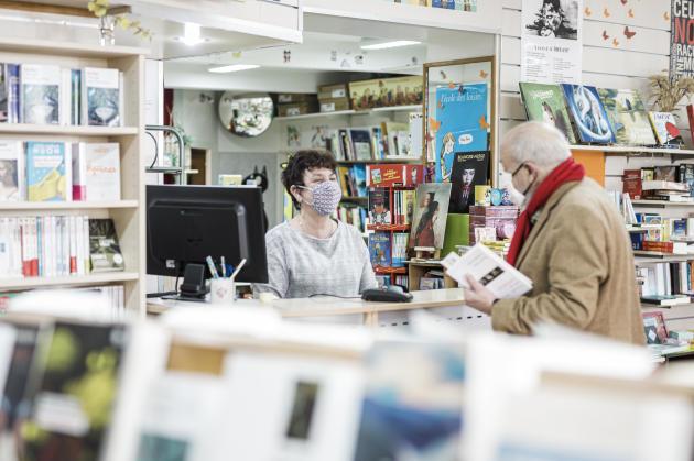 Brin de Lecture, la nouvelle librairie de Laurence Gastecelle (photo) et Chantal Palluault, à Thouars (Deux-Sèvres), le 21 ocobre.