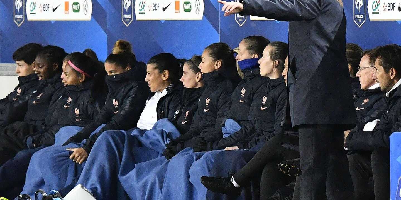 Football : chez les Bleues, un inquiétant « match » entre la sélectionneuse et les Lyonnaises
