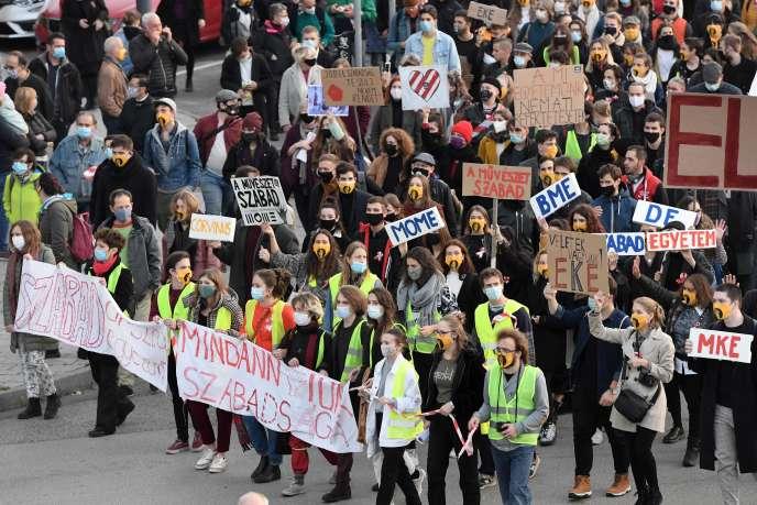 Manifestation pour les étudiants, le 23 octobre, à Budapest, Hongrie.