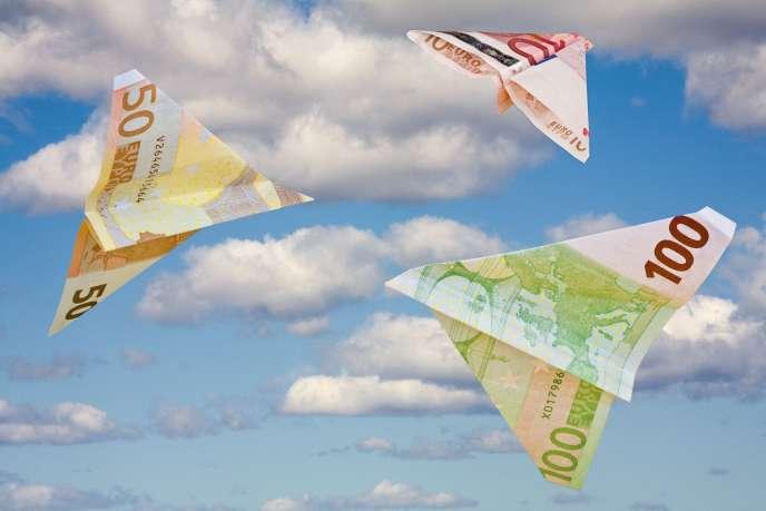 Un texte impose aux compagnies aérienne de rembourser les billets dans un délai de « sept jours » après une demande, mais beaucoup de clients se plaignent de n'avoir encore rien obtenu.