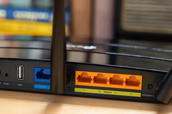 L'Archer A7 dispose d'une connectique très classique : un port WAN, quatre Ethernet gigabit et un port USB limité aux débits USB 2.0.