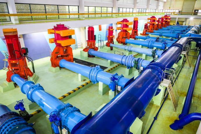 Salle des pompes del'usine des eaux de Croix-Luizet.