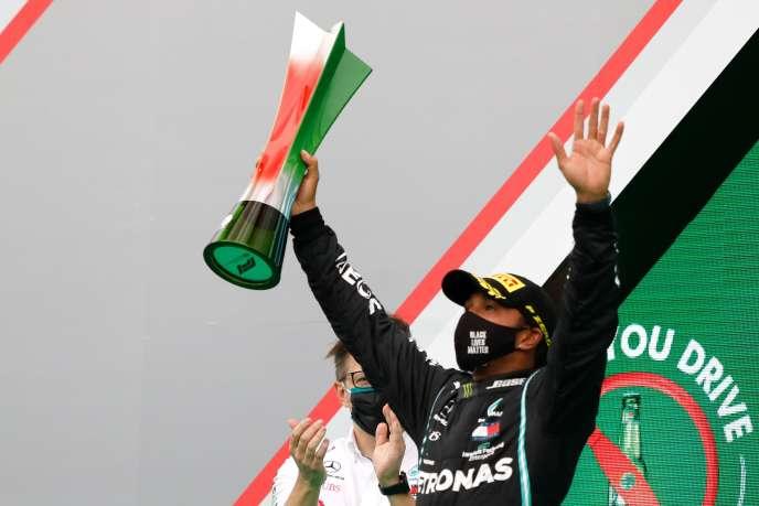 Le pilote britannique Lewis Hamilton après avoir remporté le Grand Prix du Portugal à Portimao, au Portugal, le 25 octobre.