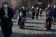 Prière dans les rues de Prague, le 27 octobre.