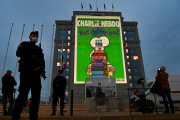 Projection des caricatures de « Charlie Hebdo» sur la façade de l'hôtel de région à Montpellier (Hérault), le 21 octobre.
