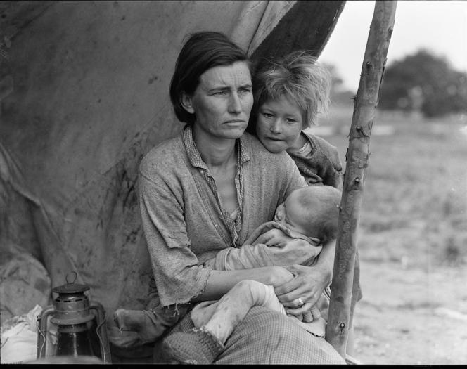 L'une des plus célèbres photos de Dorothea Lange sur une famille victime de la crise des années 1930 aux Etats-Unis, connue sous le nom de la« Mère migrante» de la Grande Dépression.