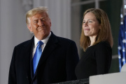 Donald Trump et Amy Coney Barrett, à Washington, le 26 octobre.