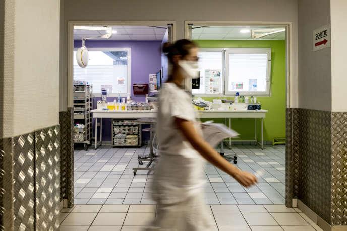 Box réservés aux cas de Covid-19 aux urgences du centre hospitalier intercommunal André-Grégoire, à Montreuil (Seine-Saint-Denis).