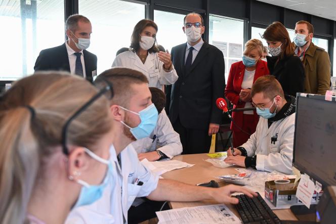 Visite du premier ministre Jean Castex au CHU de Lille, le 16 octobre.