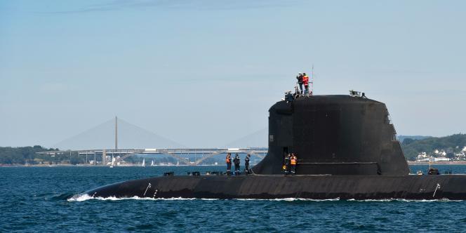 Un sous-marin, de classe Barracuda, du français Naval Group, au large de Brest, en juin 2020.