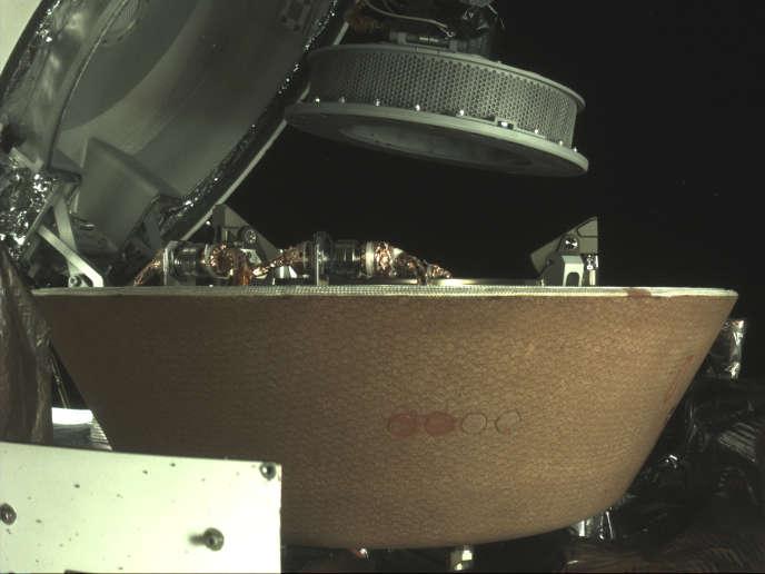 Les échantillons ont ététransférés dans la capsule lors d'une lente opération.