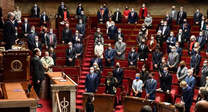 A l'Assemblée nationale, au moment de la minute de silence en hommage aux victimes de l'attaque de Nice, jeudi 29 octobre.