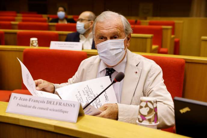 Jean-Francois Delfraissy, président du conseil scientifique sur le Covid-19, intervient devant le Sénat le 15 septembre à Paris.