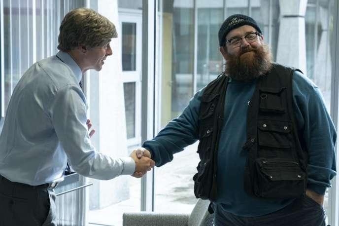 Nick Frost (Gus), à droite, dans la série « Truth Seekers».
