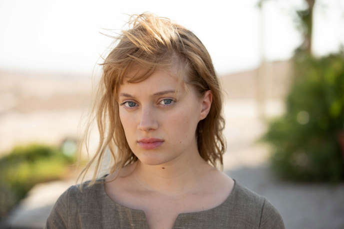 Natalie (Nadia Tereszkiewicz), la mariée en noir, dans «Possessions», la minisérie créée par Shachar Magen et réalisée par Thomas Vincent pour Canal+.