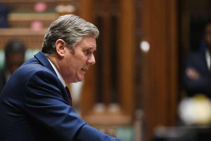 Photographie diffusée par le parlement britannique montrant le chef du parti travailliste, Keir Starmer, à la Chambre des communes, le 21 octobre.