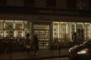 Devant la librairie Les Nouveautés, à Paris, le 29 octobre.
