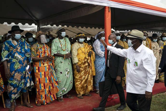 Le président ivoirien Alassane Ouattara à un meeting à Anyama, au nord d'Abidjan, mercredi 28 octobre.