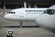 Un Airbus A320 d'Air France, sur le tarmac de l'aéroport de Roissy-Charles-de-Gaulle, le 12 mai.