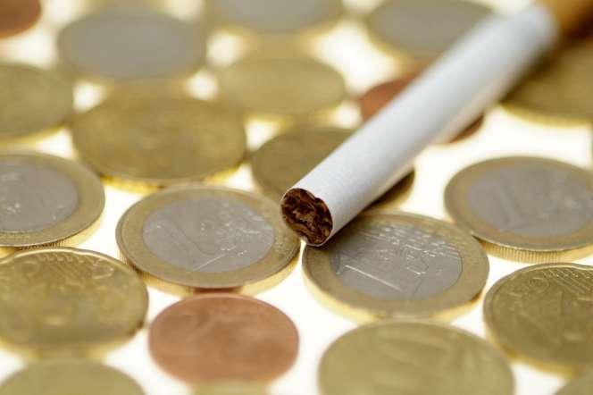 En augmentant une nouvelle fois la fiscalité du tabac pour lutter contre le tabagisme, le gouvernement engendre une hausse des prix.
