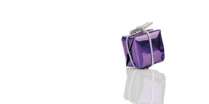 Un don intervenant sans événement (anniversaire, mariage, etc.) ne peut être qualifié de présent d'usage.