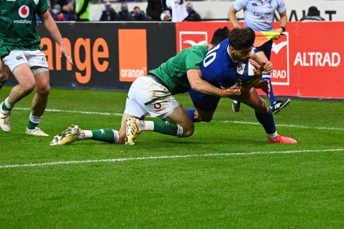 Romain Ntamack a marqué un essai samedi contre l'Irlande