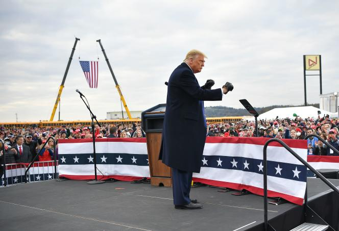 Donald Trump en campagne à l'aéroport de Reading, en Pennsylvanie, le 31 octobre.