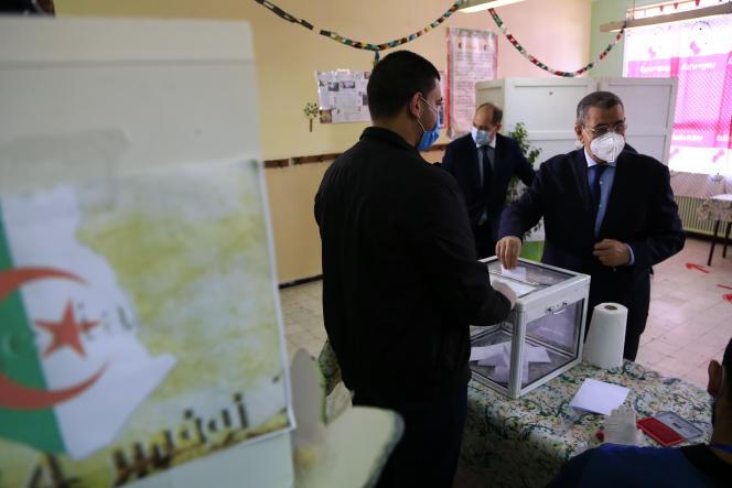 Le premier ministre algérien Abdelaziz Djerad, le 1er novembre à Alger.