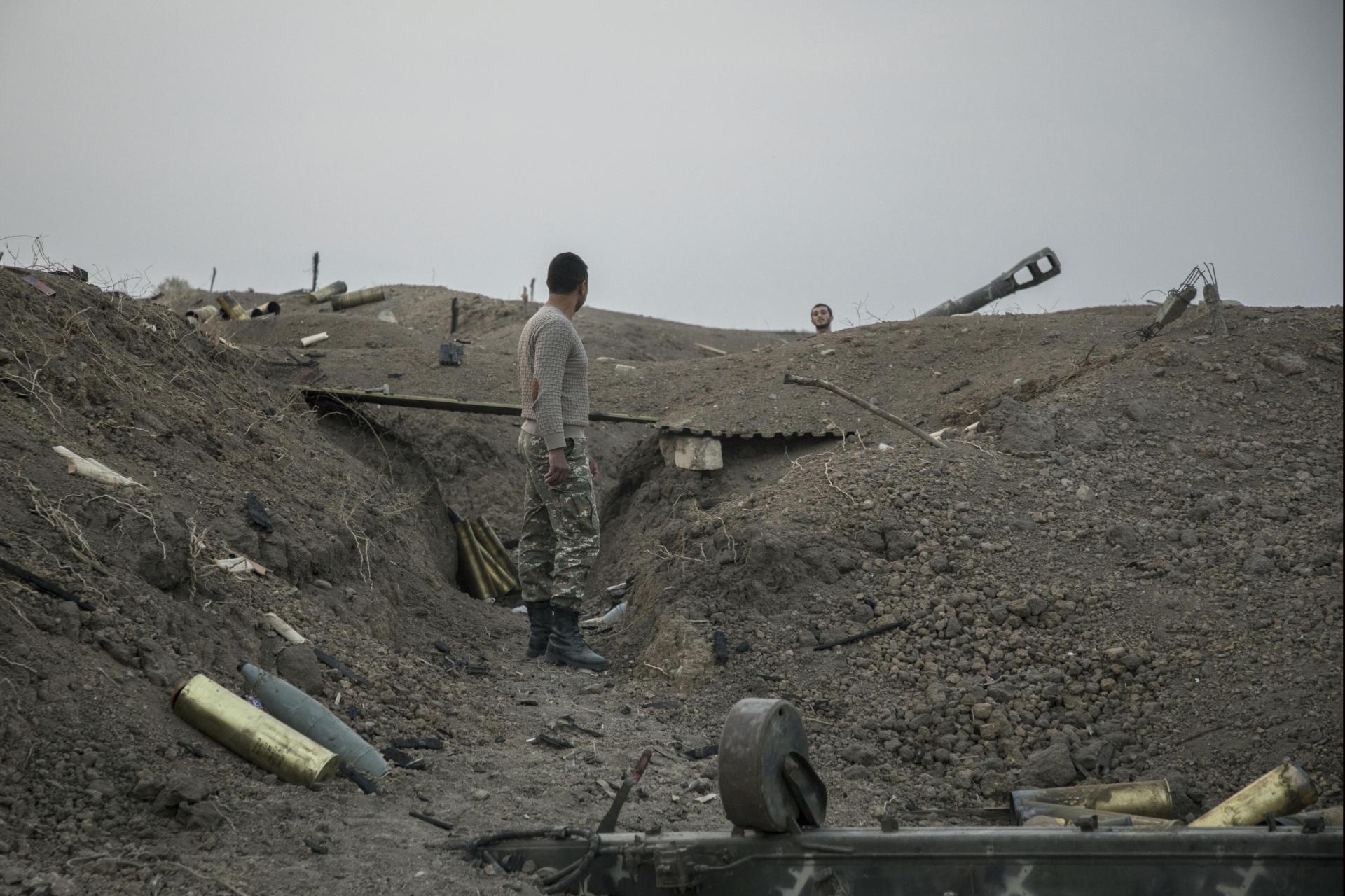 Une position d'artillerie surnommée « Stalingrad», bombardée quotidiennement par lesforces azerbaïdjanaises, dans le Haut-Karabakh, le 31 octobre.